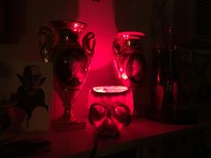 iGearz Steampunk Skull Lamp - Red Bulb version