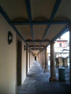 Soportales en la plaza del Fontán de Oviedo
