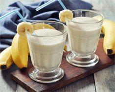 Smoothie de Plátano Ingredientes:  - Un vaso de leche - Dos plátanos - Un yogur natural - Un cucharadita de azúcar