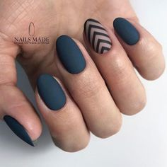 Matte nails with simple accents ❤️ Perfect and trendy round nail designs . - Informations About Matte Nägel mit einfachen Akzente - Cute Acrylic Nails, Matte Nails, Gel Nails, Coffin Nails, Toenails, Rounded Acrylic Nails, Round Nail Designs, Cool Nail Designs, Matte Nail Designs
