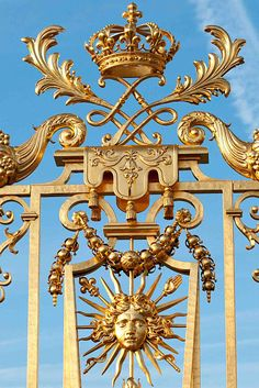 Gilded ironwork at Versailles. Royal  #gold details