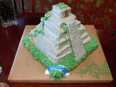 A cake I made for my best friend, Vego's, birthday. She's going on an archaeological dig in Belize this summer! Pyramid School Project, Aztec Temple, 22nd Birthday, Birthday Cakes, Birthday Parties, Food Artists, 21st Party, Food Themes, Food Ideas