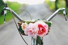 DIY Bike Basket by merrythought: For carrying treasures! #DIY #Bike_Basket