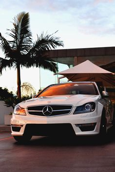 Luxury car #Mercedes   These are so stylish!  http://www.carinsurancegreatrates.com
