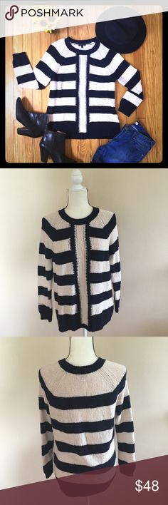 J. Crew Warm Sweater Size L This J. Crew Warm Sweater Size L is in excellent condition.  Zero flaws. Perfect Fall Sweater 🍂🍁 J. Crew Sweaters