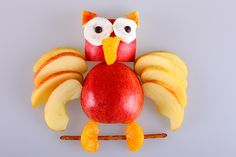 Crafts can be a fun and engaging activity for kids. And animal crafts for kids go beyond mere fun, it's exciting and super fun for kids. Animal Crafts For Kids, Animals For Kids, Owl Food, Fruit Animals, Owl Kids, Fruits For Kids, Owl Crafts, Fruit Plate, Baking With Kids