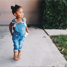 because I love this outfit Little Girl Outfits, Little Girl Fashion, Toddler Fashion, Kids Fashion, Baby Kind, My Baby Girl, Outfits Niños, Kids Outfits, Beautiful Children