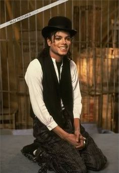 Michael Jackson King of Pop. The Jackson Five, Jackson Family, Janet Jackson, Paris Jackson, Lisa Marie Presley, Elvis Presley, Invincible Michael Jackson, Michael Jackson Bad Era, Bad Michael