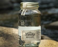 A summer time favorite! Try Ole Smoky Original Moonshine and Cola! Corn N Cola Mix 2 parts Ole Smoky White Original Moonshine with 2 parts of cola. Ole Smoky Tennessee Moonshine, Ole Smoky Moonshine, Moonshine Cocktails, Moonshine Whiskey, Mason Jar Gifts, Mason Jars, Cigars And Whiskey, Whisky, Hooch