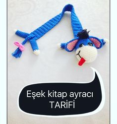 No photo description available. Felt Bookmark, Crochet Bookmarks, Crochet Books, Crochet Art, Crochet Crafts, Cute Crochet, Crochet Chain Stitch, Diy And Crafts, Bookmarks
