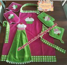 Dileğin Tasarımları Dish Towel Crafts, Paper Towel Crafts, Small Sewing Projects, Sewing Crafts, Baking Birthday Parties, Craft Room Desk, Diy And Crafts, Crafts For Kids, Childrens Aprons