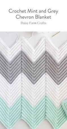 Free Pattern - Crochet Mint and Grey Chevron Blanket  #crochetbabyblanket #crochetpattern #crochet