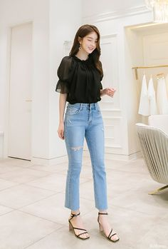 Korean Fashion Style 2019 Trends Source by outfits korea Casual Asian Fashion, Cute Korean Fashion, Korean Fashion Trends, Korean Street Fashion, Look Fashion, Korean Spring Fashion, Korean Spring Outfits, Korean Casual Outfits, Cute Casual Outfits