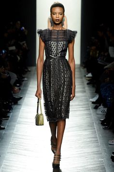 e245d97943cf Bottega Veneta Fall 2016 Ready-to-Wear Fashion Show