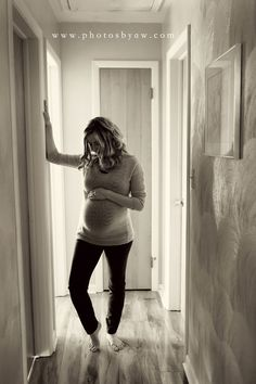 Beautiful black and white photos from in home lifestyle maternity session ©Copyright 2016 Photography by Amanda Wilson