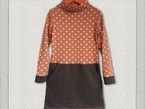Süßes Jerseykleid mit Sweatrock