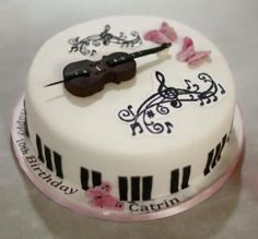Cello  - Cake by victoria's cakes & cupcakes