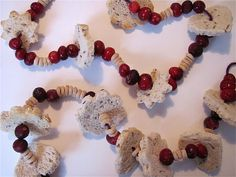 """Bird Feeder Garland (use with book: """"The After-Christmas Tree"""" by Linda Wagner Tyler and/or """"Night Tree """" by Eve Bunting)"""