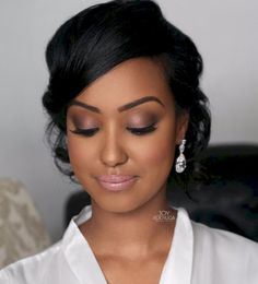 64 Ideas Wedding Makeup Dark Skin Brides Black Women 64 Ideen Hochzeit Make-up Dark Skin Bride Black Bridal Makeup, Simple Bridal Makeup, Beach Wedding Makeup, Wedding Makeup Tips, Bridal Hair And Makeup, Wedding Hair And Makeup, Hair Makeup, Bridesmaid Makeup Natural, Bride Makeup Natural