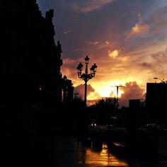 Vigo 🔥 you are scorching.  #vigo #pontevedra #spain #sunset #sun #hot #igerspontevedra #fire #dawn #atardecer #light #sundown #redsky #sky #horizon #siluet #street #orangesky #skyporn #skylover #streetlamp #galicia #vigomola
