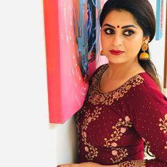 Best Actress, Actress Photos, Indian Actresses, Dancer, Awards, Cold Shoulder Dress, Blouse, Tops, Dresses