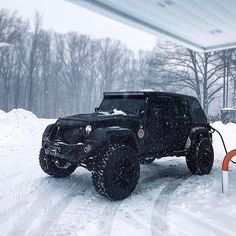 No traction no problem. Wrangler Jeep, Jeep Wrangler Unlimited, Jeep Rubicon, Jeep Wranglers, My Dream Car, Dream Cars, Jeep Truck, Jeep Jeep, Jeep Suvs