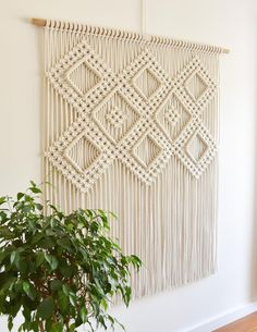 Macrame Wall Hanging Patterns, Large Macrame Wall Hanging, Macrame Plant Hangers, Wall Patterns, Macrame Wall Hangings, Free Macrame Patterns, Macrame Design, Macrame Art, Macrame Projects