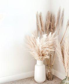 Room Ideas Bedroom, Diy Bedroom Decor, Living Room Decor, Oak Bedroom Furniture, Furniture Decor, Modern Furniture, Furniture Design, Grass Decor, Big Vases