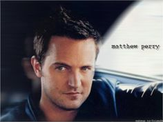 Wallpaper of Chandler Bing / Matthew Perry for fans of Friends 17519039 Monica And Chandler, Chandler Bing, Matthew Perry Friends, Friends Wallpaper, Friends Tv Show, Baby Daddy, Man Alive, Attractive Men, Hot Guys