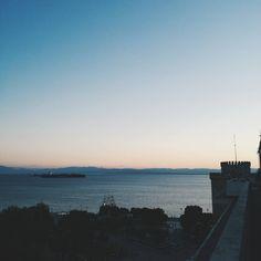 Sunset. #Thessaloniki Golden Gate Bridge, Greece, Sunset, Places, Instagram Posts, Travel, Thessaloniki, Greece Country, Viajes
