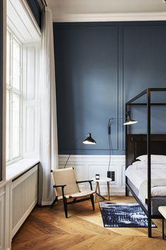 Our Favorite Scandi Design Spots Around the World Interior Minimalista, Blue Rooms, Scandinavian Design, Scandinavian Interiors, Nordic Design, Design Design, Bedroom Decor, Design Bedroom, Bedroom Ideas