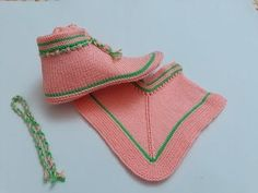 Dowry Boots Booties Model (Two Bottles) - Expression - Knitting . - Hatice Basmaz - - Dowry Boots Booties Model (Two Bottles) - Expression - Knitting . Lace Knitting, Baby Knitting Patterns, Knitting Socks, Crochet Shoes Pattern, Shoe Pattern, Loom Crochet, Small Knitting Projects, Cutwork Embroidery, Knitted Slippers
