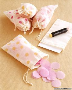 diy stamped confetti bags. Love this idea - could make a fun party bag too!