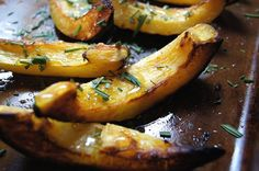 Roasted acorn squash with rosemary and honey | The Wanna be Country Girl