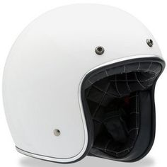 - Custom-quilted liner - Fiberglass Shell - Five-year warranty - Integrated snaps - Padded chin strap with D-ring closure - Dot Approved