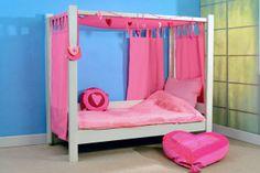 himmelbett-kinderzimmer-rosig - wand in blau - Himmelbett für Kinder – 20 wunderschöne Vorschläge