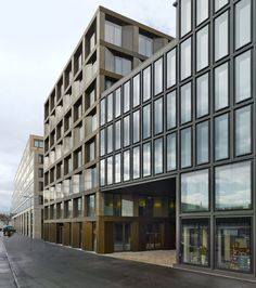 Europaallee is expanding. The major bank UBS AG has already relocated to the new building, named Europalle 21, situated beside Zurich's main train station and its university of teacher education. Three renowned european architectural firms have designed t