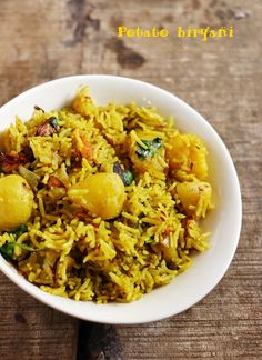 Aloo dum biryani recipe with step by step photos. Learn how to make tasty, flavorful dum cooked potato biryani with this easy recipe! Vegetable Biryani Recipe, Best Vegetable Recipes, Homemade Vegetable Soups, Lunch Recipes, Vegetarian Recipes, Cooking Recipes, Healthy Recipes, Rice Recipes, Meals