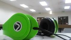 Educators need to get the best school testing headphones for students and these are some of the features to look for. School Fun, Headphones, Students, Good Things, Green, Headpieces, Ear Phones
