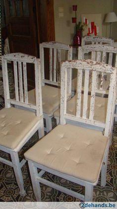 lot de 6 chaises anciennes  très déco