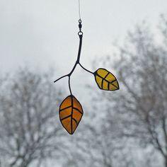 Little elm leaves from reclaimed glass bottles - LOVE!