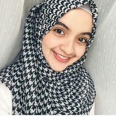 #hijab #fashion #beautiful #girl #woman #love #wallpaper #outfit #style #sweety #niqab #hijaber Muslim Brides, Niqab, Hijab Fashion, Woman, Wallpaper, Crochet, Outfits, Beautiful, Instagram