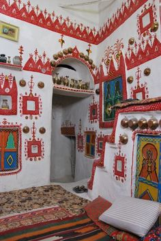An interior of Ghadames, southern Libya, built for the Saharan extremes Interior Architecture, Interior And Exterior, African House, Mud House, Home Altar, Madhubani Art, Mosaic Wall Art, Arte Popular, Stencil Painting