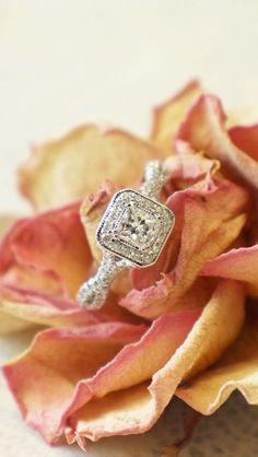 Diamond Halo Ring ♥ L.O.V.E.