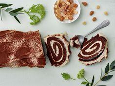 Tiramisukääretorttu | Valio Irish Cream, Something Sweet, Tiramisu, Cheesecake, Food And Drink, Sugar, Cookies, Baking, Eat