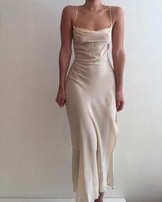 champagne slip dress wedding dresses silk -My Zinc Bed- Look Fashion, Fashion Outfits, Womens Fashion, Spring Fashion, Fashion Goth, Dress Fashion, Girl Fashion, Pretty Dresses, Beautiful Dresses