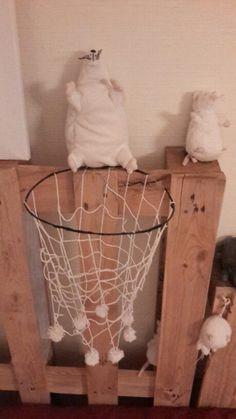 Panier de basket à souris (laine + fil de fer)