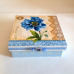 Caixa decorada em mdf - Flores Azuis   Atelier Marcia Campos   Elo7