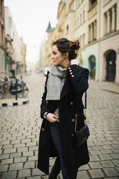 Parisian chic, french girl style, how to dress like a french woman, striped top, gucci loafers, hermes oran sandal, classic chic, classic style, fashion over 40, fall outfit ideas
