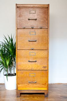Incroyable Antique Wood File Cabinet, 1910 Vintage Industrial